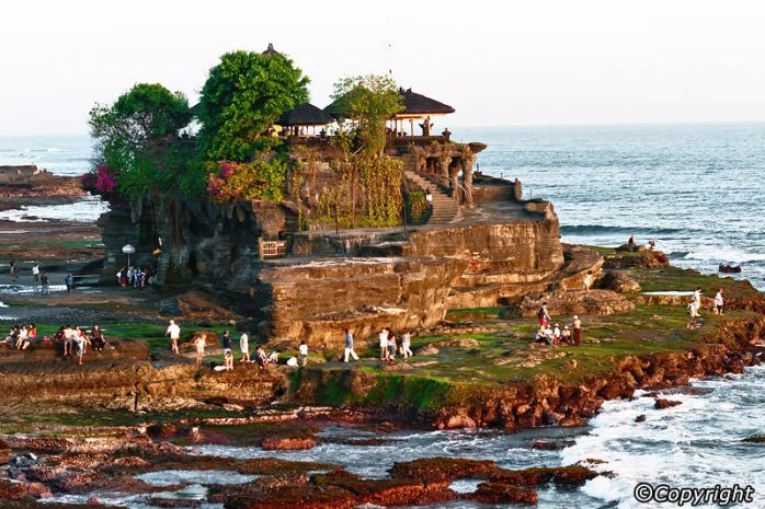 tanah-lot-temple-
